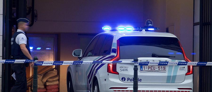 Szef belgijskiego centrum ds. zagrożeń terrorystycznych Paul Van Tigchelt powiedział podczas wywiadu radiowego, że ok. 640 Belgów walczyło w Syrii lub odbyło tam szkolenie. W związku z tym służby powinny pozostać w stanie podwyższonej gotowości.