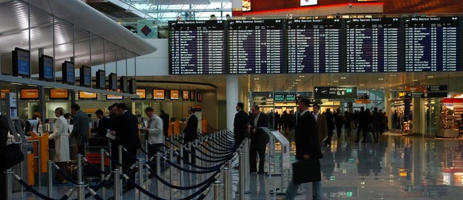 """Wstrząsająca historia z Austrii. Na lotnisku Wiedeń-Schwechat matka porzuciła w toalecie noworodka, ponieważ - jak informują lokalne media - """"nie chciała spóźnić się na lot"""". Dziecko zmarło."""
