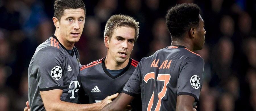 W najciekawszym meczu 11. kolejki Bundesligi Borussia Dortmund podejmie Bayern Monachium. W sobotę po dwóch stronach boiska staną mistrzowie i wicemistrzowie Niemiec. Robert Lewandowski i Łukasz Piszczek. Na stare śmieci wróci Mats Hummels, a wszystkiemu będzie się przyglądało ponad 80 tysięcy kibiców.