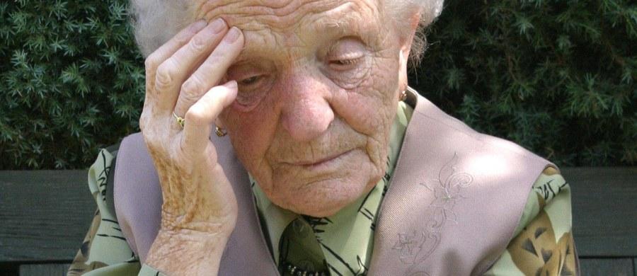 Co najmniej 15 tysięcy starszych osób padło we Włoszech ofiarą oszustów w zeszłym roku. W pierwszej połowie tego roku zgłoszono już ponad 9 tysięcy takich przypadków. W związku z tą plagą policjanci prowadzą pogadanki dla seniorów, także w kościołach.