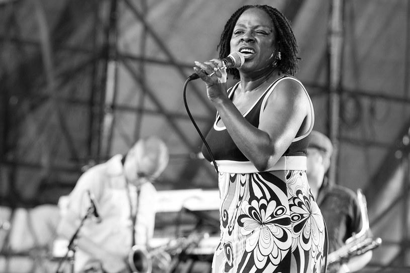 Ceniona wokalistka soul i funk, Sharon Jones, zmarła 18 listopada w Nowym Jorku. Miała 60 lat.