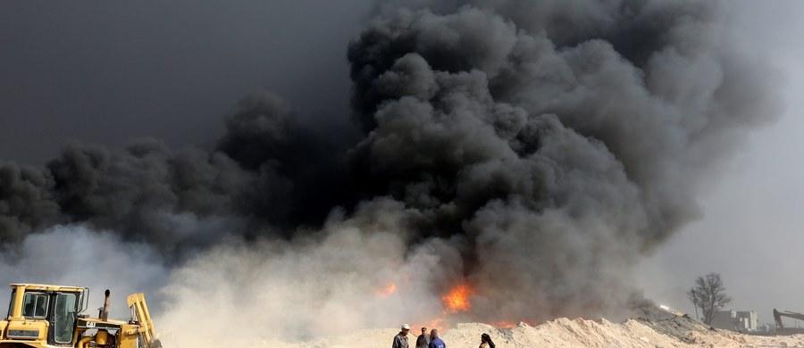 Irackie wojska zbliżyły się do centrum Mosulu, kontynuując ze wschodu natarcie na pozycje bronione przez dżihadystów z Państwa Islamskiego - poinformował agencję Associated Press generał sił specjalnych Sami al-Aridi.