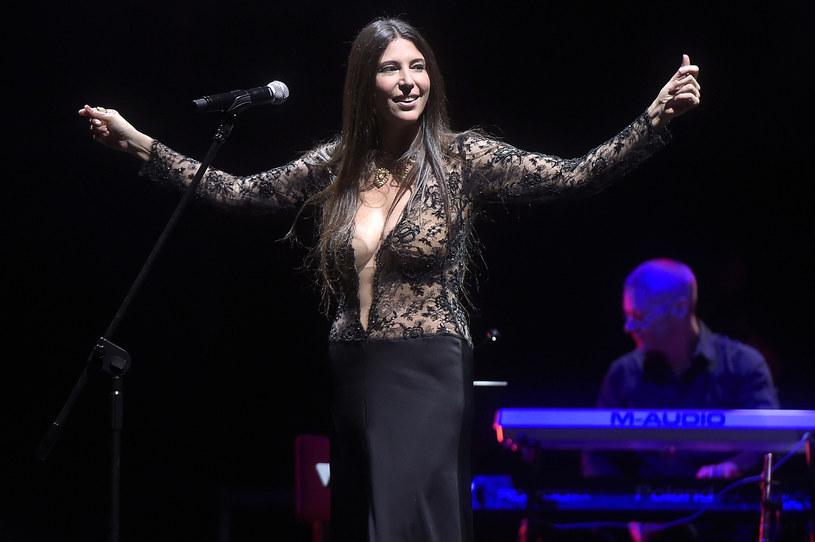 """Nazywana """"królową smooth jazzu"""" brazylijska wokalistka Ive Mendes w niedzielę (20 listopada) zaśpiewała w Teatrze Wielkim w Warszawie na wyprzedanym koncercie jubileuszowym BMW Jazz Club."""