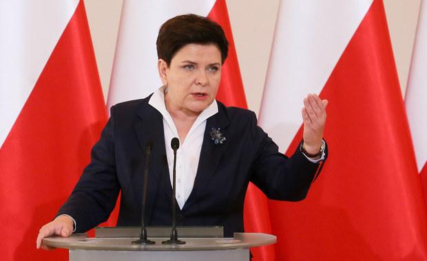 Wprowadzenie i realizacja programu Rodzina 500+  jest wzorcowa - oceniła premier Beata Szydło na uroczystości z okazji Dnia Pracownika Socjalnego. Podkreślała, że praca pracowników socjalnych odgrywa ważną rolę w realizacji tego programu.