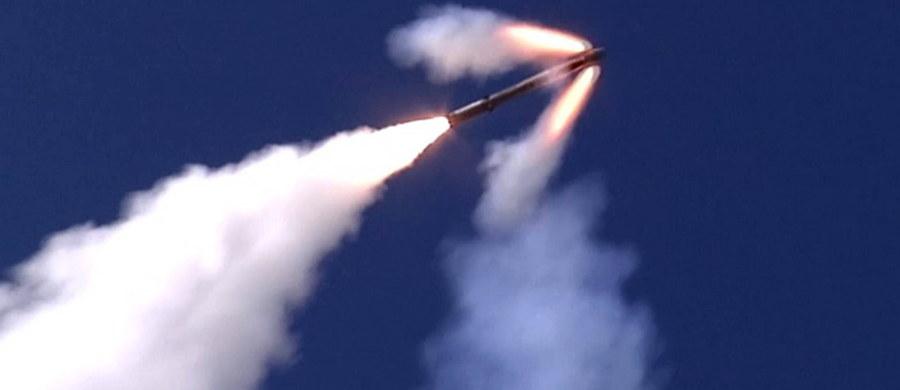 Rosja przerzuciła do obwodu kaliningradzkiego dywizjon rakietowych zestawów Bastion, który teraz oficjalnie jest oddziałem Floty Bałtyckiej. Jak podaje agencja Interfax rosyjskie rakiety zablokują każdy statek i okręt próbujący przepłynąć Cieśniny Duńskie i są w stanie zniszczyć wszystkie potencjalne cele na terytorium Polski.