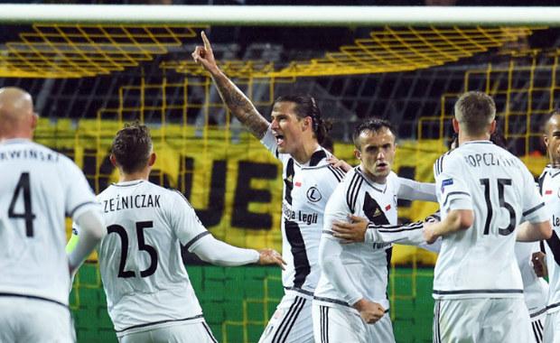 We wczorajszym meczu między Borussią Dortmund a Legią Warszawa padło aż 12 bramek. W historii Ligi Mistrzów taka sytuacja nigdy wcześniej nie miała miejsca. W spotkaniu tym padły również inne rekordy.