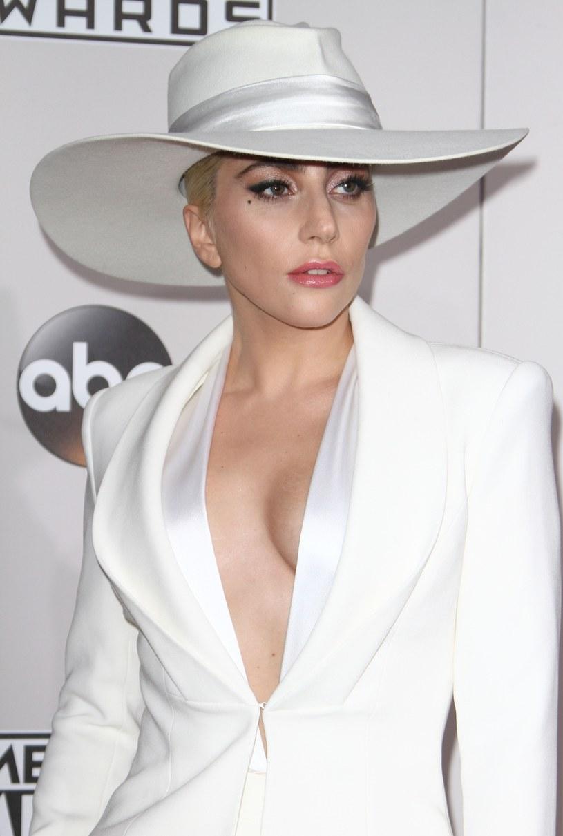 Kanye West trafił do szpitala na obserwację psychiatryczną. Lady Gaga postanowiła zabrać głos w sprawie żartów, jakie ludzie kierują pod adresem amerykańskiego rapera.