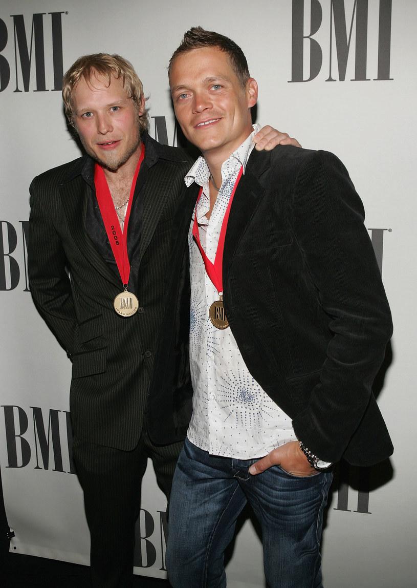 Jak poinformował serwis TMZ, doktor Richard Snellgrove, który leczył również gitarzystę Matta Robertsa, związanego w przeszłości z 3 Doors Down, został aresztowany przez policję.