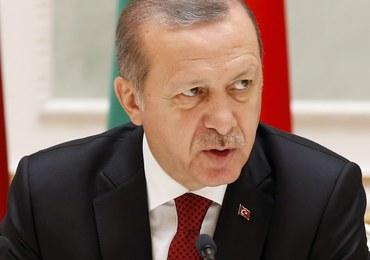 Prezydent Turcji zagroził, że otworzy dla migrantów granice z UE