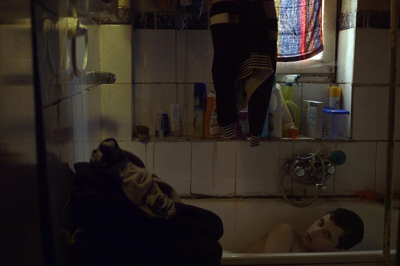 """Praca nad tym filmem była całą moją szkołą filmową - powiedziała debiutantka Anna Zamecka, reżyserka """"Komunii"""". Film o rodzinie, której głową jest nastoletnia Ola, przygotowująca do pierwszej komunii świętej swojego autystycznego brata, wszedł w piątek, 25 listopada, na ekrany kin."""