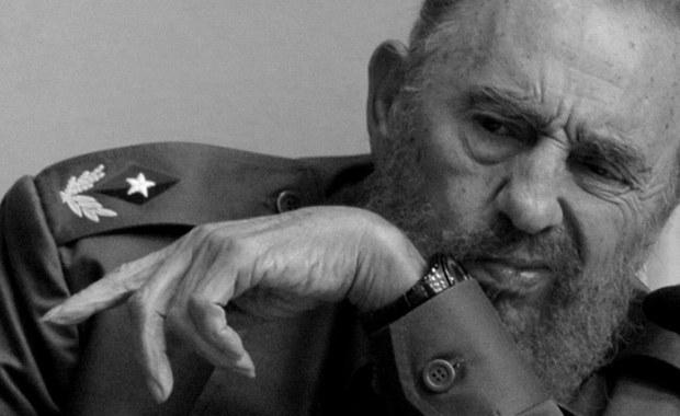 Przeżył ponad 600 prób zamachów na swe życie i przeciwstawiał się dziesięciu amerykańskim prezydentom. Ojciec kubańskiej rewolucji Fidel Castro, który przez lata podtrzymywał swą legendę, zmarł wczoraj wieczorem w Hawanie w wieku 90 lat.