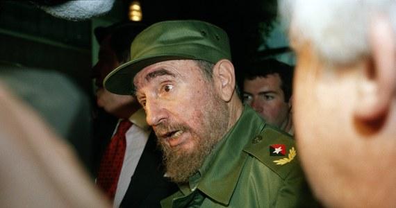 """Były rzecznik Watykanu Joaquin Navarro-Valls powiedział dziennikowi """"Corriere della Sera"""", że zmarły przywódca Kuby Fidel Castro był dyktatorem, który """"chciał służyć ubogim"""". Ujawnił szczegóły historycznej wizyty Jana Pawła II na Kubie w 1998 roku."""