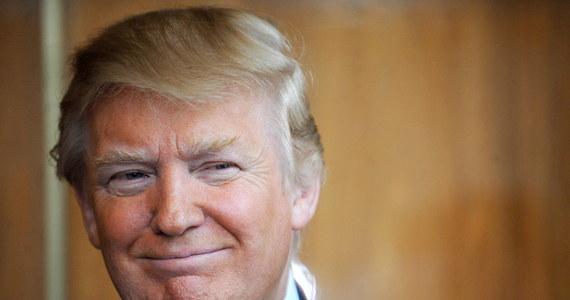 """Fakt, że Donald Trump rozważa nominowanie byłego gubernatora Massachusetts Mitta Romneya na stanowisko sekretarza stanu wywołał konflikt w obozie jego zwolenników - przyznała szefowa jego sztabu wyborczego Kellyanne Conway, cytowana przez CNN. Według Conway """"prawdziwi"""" zwolennicy Trumpa w całym kraju czują się """"zdradzeni"""" już tym, że prezydent elekt rozważa oddanie Romneyowi jednego z najważniejszych stanowisk w nowej administracji USA."""