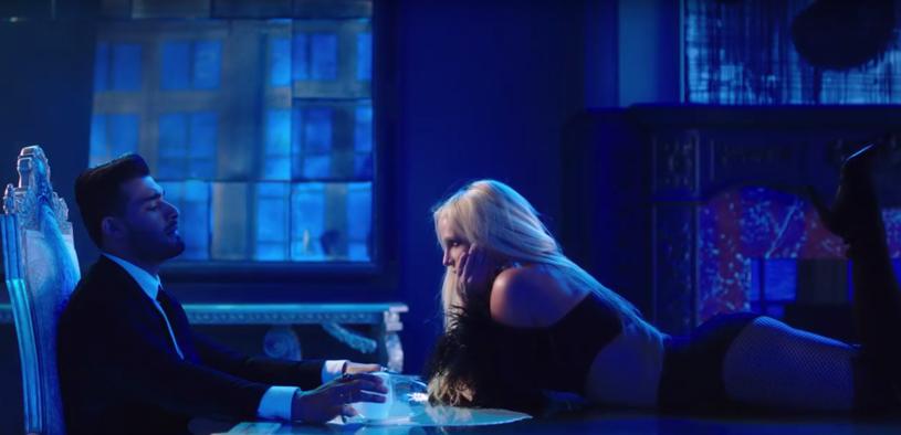 """Wprawdzie niedawno zapowiadała, że jest """"naprawdę szczęśliwa"""" jako singelka, ale wszystko na to wskazuje, że Britney Spears spotyka się z Samem Asgharim, który towarzyszył jej w najnowszym teledysk """"Slumber Party""""."""