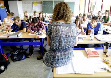 Nauczyciele sami odchodzą z pracy. Nie chcą czekać na wypowiedzenia po reformie edukacji
