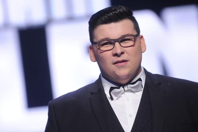 """Dziewiątą edycję """"Mam talent"""" wygrał 20-letni Jakub Herfort. Jego zwycięstwo wzbudziło sporo kontrowersji wśród komentujących wynik w sieci."""