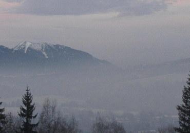 Kardiolodzy o smogu: Dobrze, że zwrócono uwagę na to, czym pali się w piecach