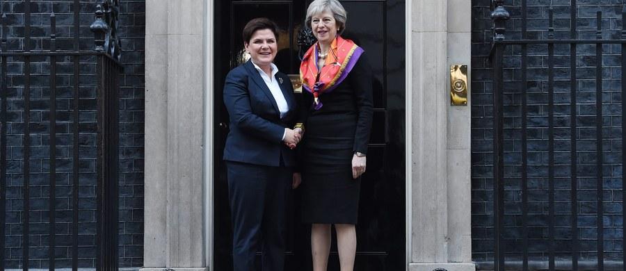 W związku ze zbliżającymi się negocjacjami ws. Brexitu Londyn potrzebuje sojusznika, a poniedziałkowe spotkanie premier Theresy May z szefową polskiego rządu Beatą Szydło pokazuje, że w oczach Londynu może nim być Warszawa - ocenia portal Politico.