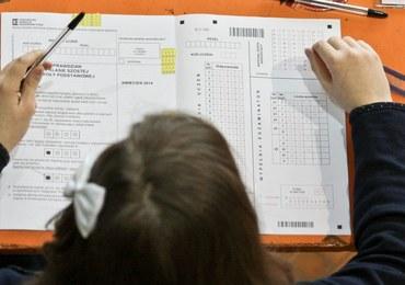 Zalewska w Sejmie: Koniec nauki pod testy, podstawówka oknem na świat