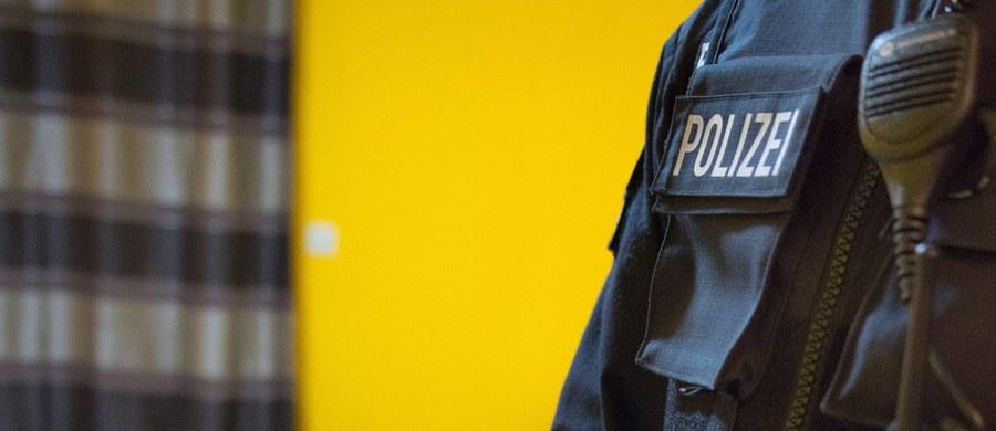 """Niemiecki Urząd Ochrony Konstytucji (AfV) zdemaskował we własnych szeregach islamistę planującego zamach bombowy na centralę służby w Kolonii - podał we wtorek """"Der Spiegel"""" w wydaniu internetowym."""