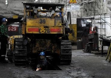 Wstrząs w Rudnej: 2 górników nie żyje. Pod ziemią akcja ratunkowa, nie ma kontaktu z zasypanymi