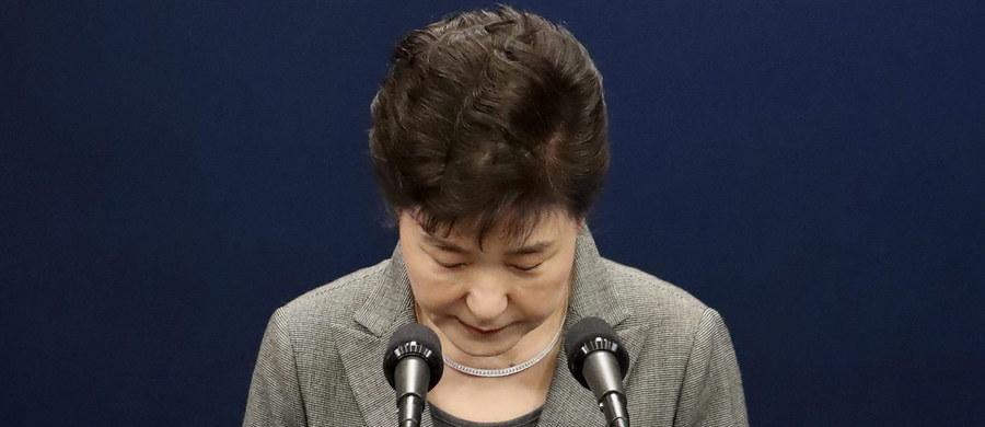 Południowokoreańska opozycja zapowiedziała, że będzie dążyć do pozbawienia stanowiska prezydent Park Geun Hie. Tym samym odrzuciła jej propozycję z wtorku, że poda się do dymisji, jeśli parlament opracuje plan bezpiecznego przekazania władzy.