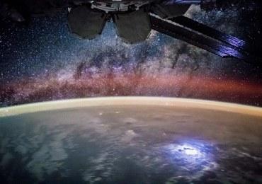 W grudniu spoglądaj w niebo. Co półtorej godziny przelatywać będzie ISS