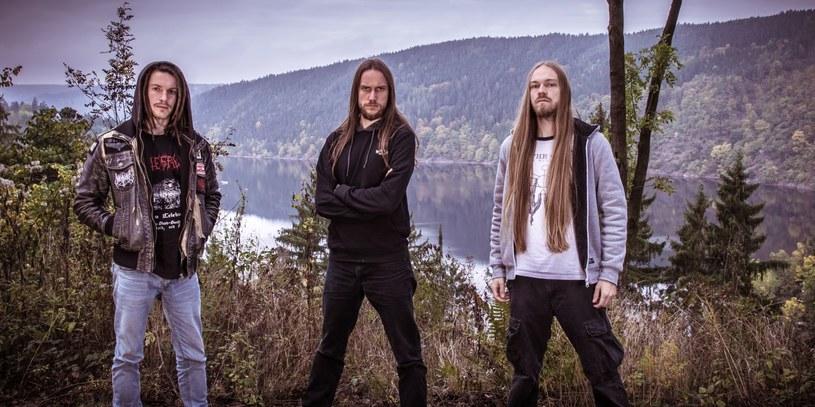 Niemiecka grupa Deserted Fear przygotowała trzeci album.