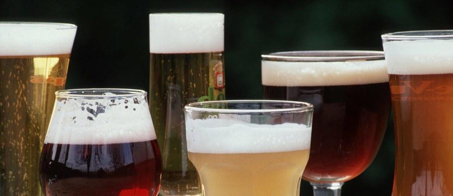 Obradujący w Addis Abebie Międzyrządowy Komitet ds. ochrony niematerialnego dziedzictwa kulturowego UNESCO wpisał na swoją listę m.in. kubańską rumbę, merengę z Dominikany, belgijskie piwo i noworoczne obchody Nouruz w 12 krajach. Komitet UNESCO obraduje w Addis Abebie do piątku.