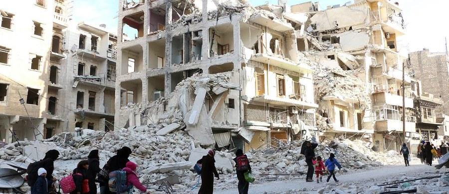 Ofensywa w Syrii nie byłaby dla Turcji tak łatwa, jeśliby nie doszło do poprawy w relacjach z Rosją - powiedział w środę wicepremier Nurettin Canikli. Dodał, że główny cel Ankary w Syrii, jakim jest odsunięcie Baszara el-Asada od władzy, nie uległ zmianie.