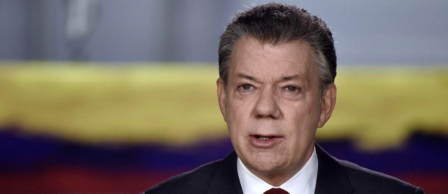 """Rząd i opozycja zgodnie oceniają, że wraz z ratyfikacją nowego porozumienia pokojowego w środę - przez Izbę niższą parlamentu , a we wtorek - przez Senat w targanej od 52 lat konfliktami Kolumbii zaczyna się, jak ujął to prezydent Juan Manuel Santos, """"nowa era""""."""