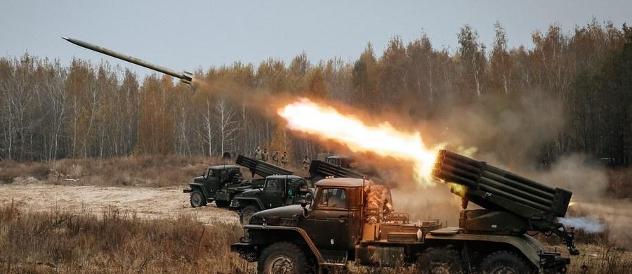 Ukraińska armia rozpoczęła ćwiczenia z użyciem rakiet średniego zasięgu. Akcje odbywają się na południu kraju, nieopodal Krymu. Przeciwko manewrom protestuje Rosja, która rozmieściła w okolicy okręty Floty Czarnomorskiej.