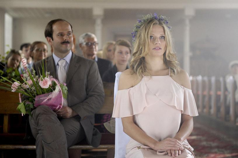 """W niedzielę, 4 grudnia, o godz. 20.25 na antenie TVP1 zaprezentowany zostanie pierwszy odcinek 5. sezonu serialu """"Blondynka"""". W postać doktor Sylwii Kubus wcieli się Natalia Rybicka."""