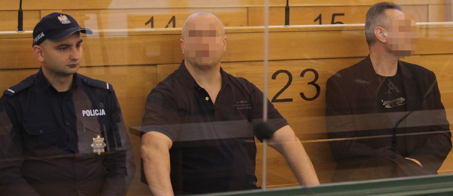 """Janusz T. """"Krakowiak"""" nakłaniał swych kompanów do zabójstwa ścigających go policjanta i prokuratora - orzekł Sąd Apelacyjny w Katowicach i skazał mężczyznę na 10 lat więzienia. """"Krakowiak"""" twierdzi, że jest niewinny, i zapowiada kasację do Sądu Najwyższego."""