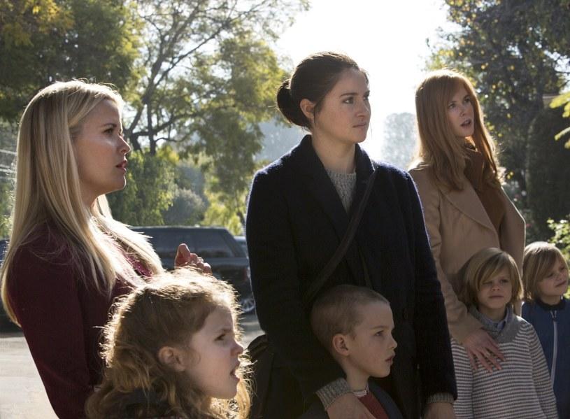 """7-odcinkowy miniserial """"Wielkie kłamstewka"""" 20 lutego zadebiutuje na antenie HBO i online w HBO GO . W rolach głównych występują"""" Reese Witherspoon, Nicole Kidman, Shailene Woodley, Laura Dern i Alexander Skarsgard."""