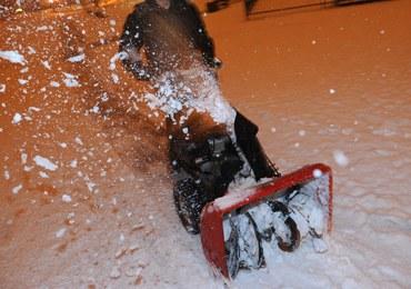 Śnieżyce i wichury w kilku województwach. Ponad 100 tysięcy odbiorców bez prądu