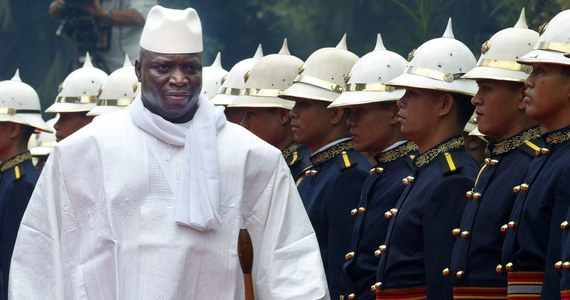 Prezydent Gambii Yahya Jammeh, który doszedł 22 lata temu do władzy dzięki zamachowi stanu i zapowiadał, że będzie rządził tym małym afrykańskim krajem miliard lat, niespodziewanie przegrał wybory. Wygrał je biznesmen, lider opozycji Adama Barrow.
