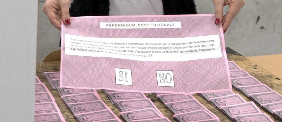 47 zmian w ustawie zasadniczej dotyczy trwające dzisiaj we Włoszech referendum konstytucyjne. Plebiscyt zadecyduje o przyszłości rządu Matteo Renziego i życia politycznego kraju, na jego wyniki oczekują Unia Europejska, wiele światowych stolic i rynki finansowe. Frekwencja nie będzie decydować o ważności referendum, ale - jak się przypuszcza - może być dość wysoka ze względu na duże zainteresowanie obywateli.