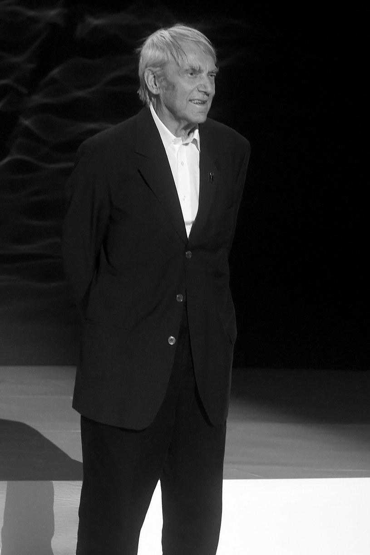 """W wieku 89 lat zmarł Tadeusz Chmielewski, wybitny polski reżyser i scenarzysta, autor takich filmów, jak """"Ewa chce spać"""", """"Nie lubię poniedziałku"""" czy """"Jak rozpętałem II wojnę światową""""."""