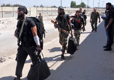 """Rebelianci, którzy zostaną w Aleppo, będą """"uważani za terrorystów"""""""