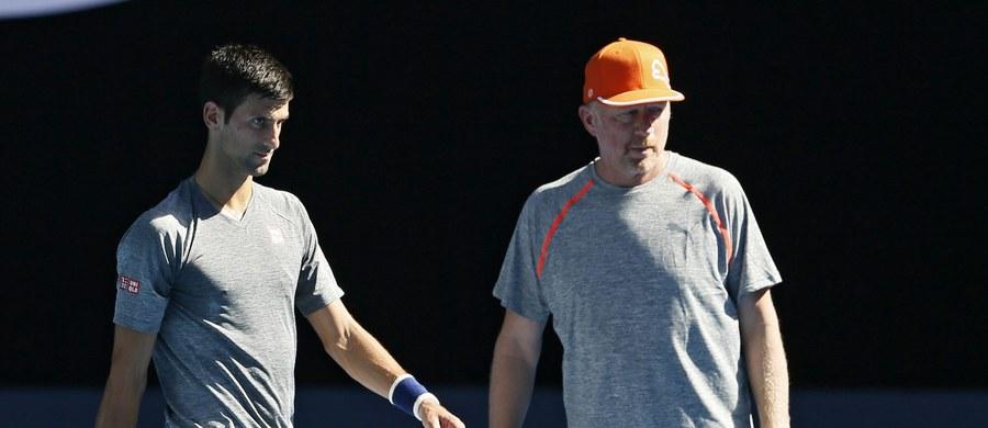 Po trzyletniej współpracy wicelider światowego rankingu tenisistów Novak Djokovic rozstał się z trenerem Borisem Beckerem. Sportowiec poinformował o tym na swojej stronie internetowej.
