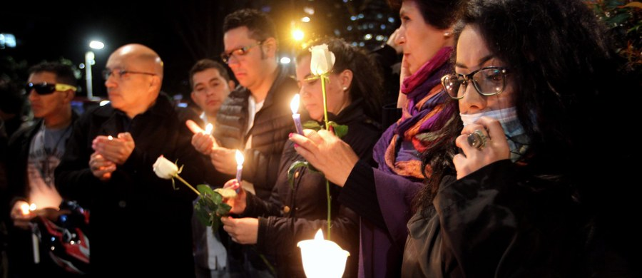Prokuratura w Kolumbii oskarżyła mężczyznę pochodzącego z wpływowej rodziny o uprowadzenie, zgwałcenie, torturowanie i zamordowanie 7-letniej dziewczynki z dzielnicy biedy w Bogocie. Ta zbrodnia sprawiła, że na ulice wyszły tysiące ludzi protestujących przeciwko coraz częstszym i coraz brutalniejszym przestępstwom seksualnym.