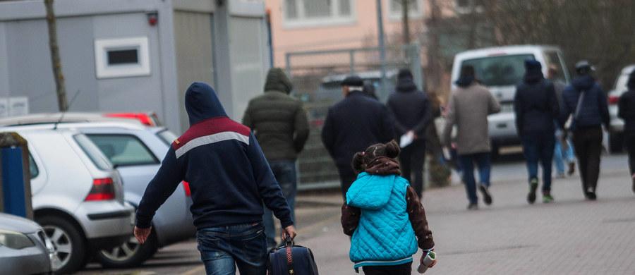 Organizacja Human Rights Watch (HRW) ogłosiła w piątek, że chorwacka policja zmusza wielu migrantów, aby wracali do Serbii, czyniąc to niekiedy przemocą i konfiskując ich bagaże; uniemożliwia im przy tym złożenie wniosku o azyl. Zagrzeb odrzuca oskarżenia.