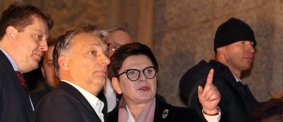 Premier Beata Szydło spotkała się w Krakowie z premierem Węgier Viktorem Orbanem. Jak informowała wcześniej Kancelaria Prezesa Rady Ministrów, tematem rozmowy miał być m.in. unijny szczyt, na którym w przyszłym tygodniu unijni przywódcy omówią kwestie migracji i polityki azylowej.