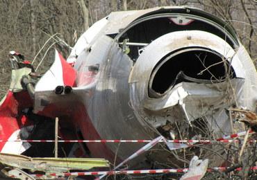 Prokuratura zbiera fragmenty tupolewa przywiezione przez turystów do Polski