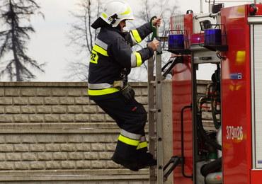 Pożar budynku socjalnego w Starachowicach. Jedna osoba nie żyje, kilkanaście ewakuowano