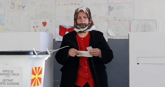 W Macedonii odbyły się przedterminowe wybory parlamentarne, które mają zakończyć trwający blisko dwa lata wielki kryzys polityczny. Ten dwumilionowy bałkański kraj pogrążył się w chaosie na skutek skandalu podsłuchowego.