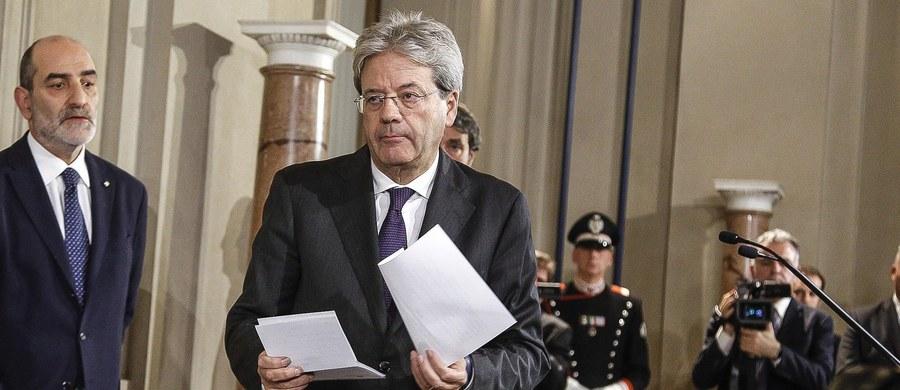 Nowy premier Włoch Paolo Gentiloni przedstawił skład swego rządu, powołanego przez centrolewicę, która tworzyła poprzedni gabinet Matteo Renziego. Najważniejszą zmianą jest mianowanie dotychczasowego szefa MSW Angelino Alfano szefem dyplomacji.