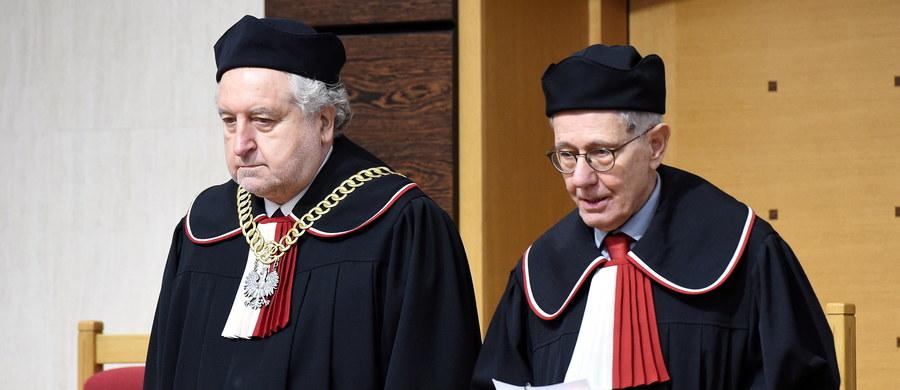 Trybunał Konstytucyjny nie dał się zatrzymać, nie dał się zawiesić, bośmy na to nie pozwolili - podkreślił podczas konferencji prasowej ustępujący prezes TK Andrzej Rzepliński, nawiązując do oceny stanu instytucji, którą opuszcza.