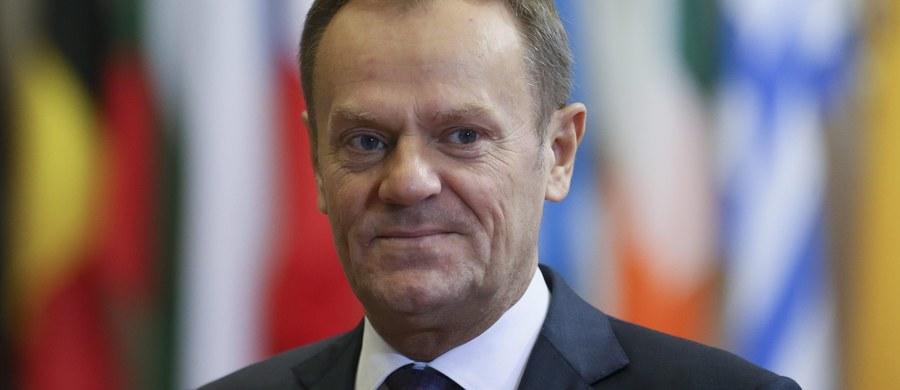 Polski rząd nie popiera Donalda Tuska na drugą kadencję na stanowisku szefa Rady Europejskiej. Jak dowiedziała się nasza korespondentka w Brukseli Katarzyna Szymańska-Borginon, takie właśnie stanowisko usłyszał premier Malty Joseph Muscat podczas swojej wizyty w Polsce 30 listopada. Malta od nowego roku obejmuje przewodnictwo w Unii Europejskiej i sonduje obecnie sprawę europejskich stanowisk, które będzie musiała negocjować podczas swojego 6-miesięcznego przewodnictwa w UE.